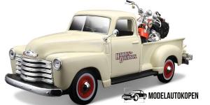 3100 Pickup + FLSTS Her Springer (Harley Davidson)