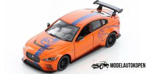 Jaguar XE SV Project 8 (Oranje)