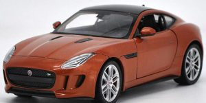Jaguar F-Type Coupe (Oranje) 1/24 Welly