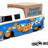 1963 Volkswagen Pickup + Cookie Monster Figuur (Blauw) 1/24 Jada