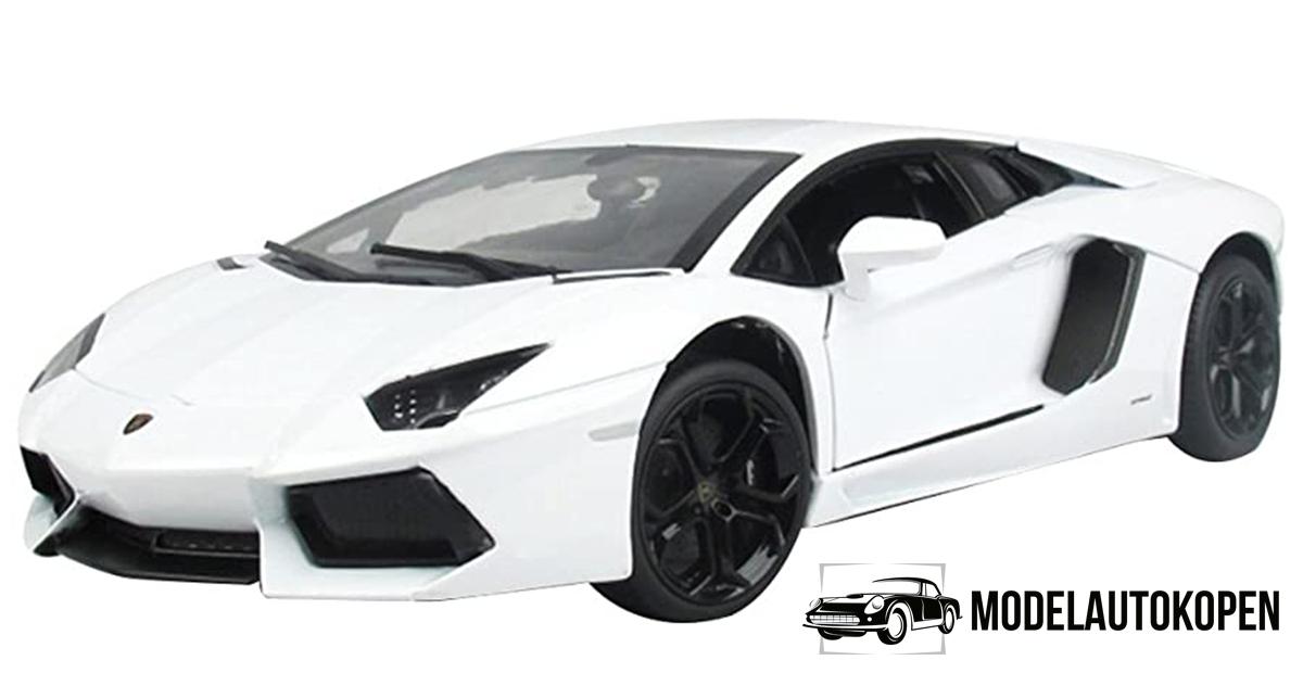 Lamborghini Aventador LP700-4 (Wit)