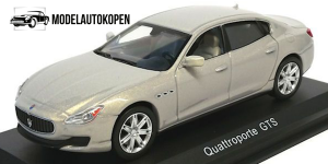 Maserati Quattroporte GTS (Zilver)