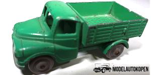 Dinky Toys 064 Austin-Meccano LTD Originele Dinky Toys 064 Austin-Meccano LTD Made in Engeland Kleur: Groen Let op dit is een verzamelobject en is tweedehands. Dit product verkeerd in een gebruikte conditie, en heeft gebruikerssporen, zie foto's De originele Dinky Toys 064 Austin-Meccano LTD wordt geleverd excl. doosje.