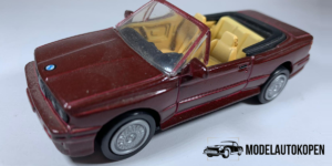 BMW - M3 (Rood) - 1:43 (Opruiming)