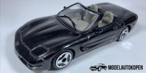 Chevrolet Corvette (Zwart) - Bburago 1:43 (Opruiming)