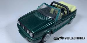 Volkswagen Gold Cabriolet (Groen) - 1:43 (Opruiming)