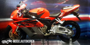 Honda Fireblade CBR 1000RR (Rood) (12 cm) 1/24 Atlas