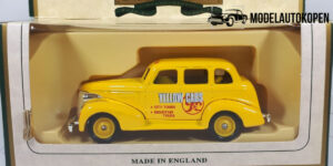1939 Chevrolet Yellow Cabs - Days Gone 1:43