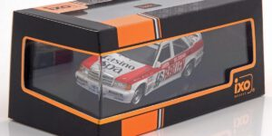 Mercedes-Benz 190E #46 (Wit/Rood) 1/43 IXO Models