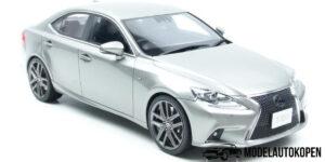 Lexus IS F Sport (Titanium Grijs) (30cm) 1/18 Kyosho Samurai
