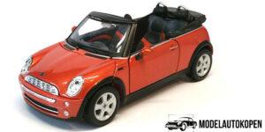 Mini Cooper Cabriolet (Rood) (15cm) 1/24 Maisto