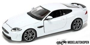Jaguar XKR-S (Wit) (20cm) 1/24 Bburago