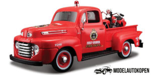 1948 Ford F1 Pick Up + 1936 El Knucklehead Harley Davidson (Rood) (20cm) 1/24 Maisto