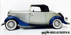 Ford V8 Cabriolet 1934 Prestige (Zilver) (26cm) 1/18 Solido