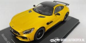 Mercedes-Benz AMG GT R Limited Edition (Geel) (10cm) 1/43 IXO Models