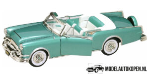 1953 Packard Caribbean (Turquoise) (30cm) 1/18 Road Signature Collection