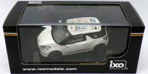 "Citroën DS3 ""Kenzo"" 2010 (Wit) (10 cm) 1/43 IXO Models"