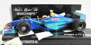 Sauber C17 Petronas J. Herbert (Blauw) (12 cm) 1/43 MiniChamps