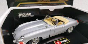 Jaguar E Cabriolet (Zilver) (30 cm) 1/18 Bburago