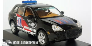 Porsche Cayenne Turbo IMSA Medical Car ALMS 2003 - 1 of 1440pcs. (Zwart) (10cm) 1/43 MiniChamps