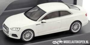 Audi A5 Coupé (Wit) (10 cm) 1/43 Audi Collection Dealer model Spark