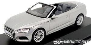 Audi A5 Cabriolet (Zilver) (10 cm) 1/43 Audi Collection Dealer model Spark
