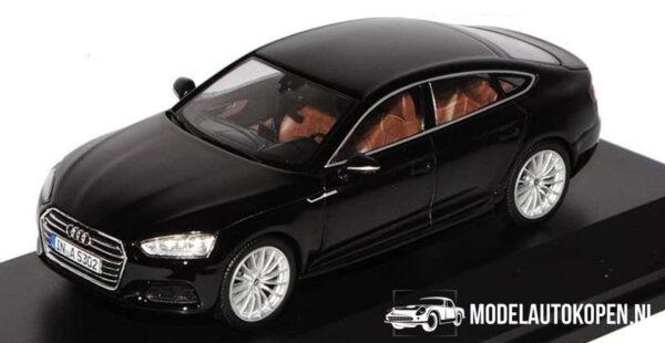 Audi A5 Sportback (Zwart) (10 cm) 1/43 Audi Collection Dealer model iScale