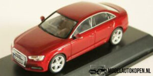 Audi A4 (Rood) (10 cm) 1/43 Audi Collection Dealer model Spark