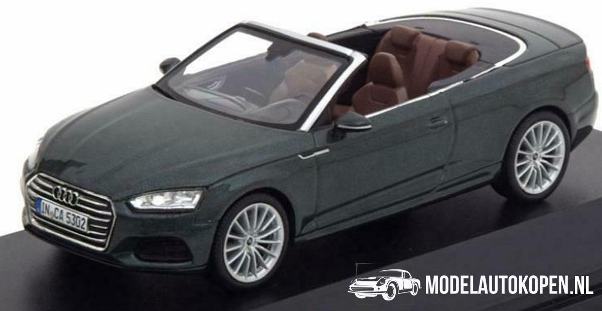 Audi A5 Cabriolet (Donkergroen) (10 cm) 1/43 Audi Collection Dealer model Spark