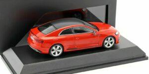Audi RS5 Coupé (Rood) (10 cm) 1/43 Audi Collection Dealer model Spark