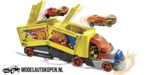 Hot Wheels Stunt Truck + Hot Wheel Auto (32 cm) (Speelgoed)