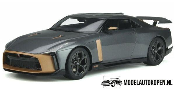 Nissan GT-R 50 Italian Design (Grijs/Copper) (30 cm) 1/18 GT Spirit