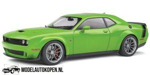 Dodge Challenger R/T Scat Pack (Groen) (27 cm) 1/18 Solido