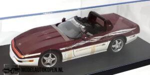 Corvette 1995 Indianapolis (Rood) (25cm) + Showcase 1:18 Maisto