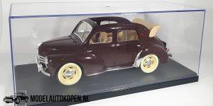 Renault 4 CV Cabriolet (Donkerrood) (21cm) 1:18 Solido