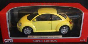 Volkswagen New Beetle (Geel) (21 cm) 1/18 Maisto Super Edition