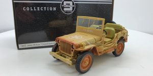 1943 Jeep Willys Casablanca (Beige) 1/18 Triple 9 Collection
