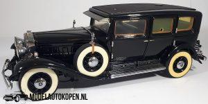 1930 Cadillac Imperial Sedan (Zwart) (25 cm) 1/24 Franklin Mint + Luxe Showcase