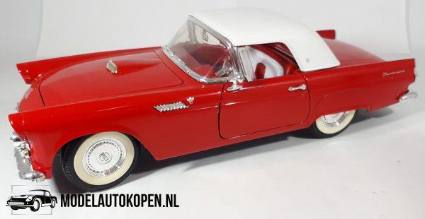 Ford Thunderbird (Rood) (24cm) 1956 1/18 Revell + Showcase
