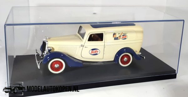 Ford Delivery Truck – Pepsi-Cola (Creme) 1/18 Solido + Showcase