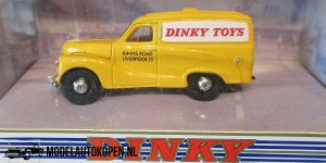 1953 Austin A40 Dinky Toys (Geel) (11cm) 1/43 – The Dinky Collection – Matchbox Collectibles