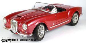 Lancia Aurelia B24 Spider 1955 (Rood) 1/18 Bburago + Showcase