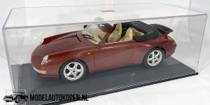 Porsche 911 Carrera Cabriolet 1994 (Rood) 1/18 Bburago + Showcase