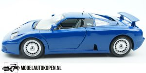 Bugatti EB 110 (Lichtblauw) 1991 1/18 Bburago + Showcase