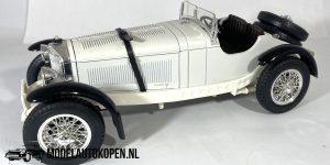 Mercedes-Benz SSK 1928 (Zwart/Wit) 1/18 Bburago + Showcase