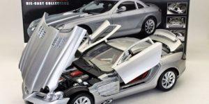Mercedes-Benz SLR McLaren (Zilver) (40 cm) 1/12 Motor Max Die-Cast Collection