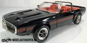 1969 Shelby GT-500 (Zwart/Rood) (26 cm) 1/18 American Muscle Collector's Edition