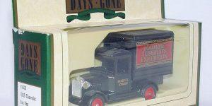 1934 Chevrolet Box Van Madame Tussaud (11 cm) 1/43 Days Gone
